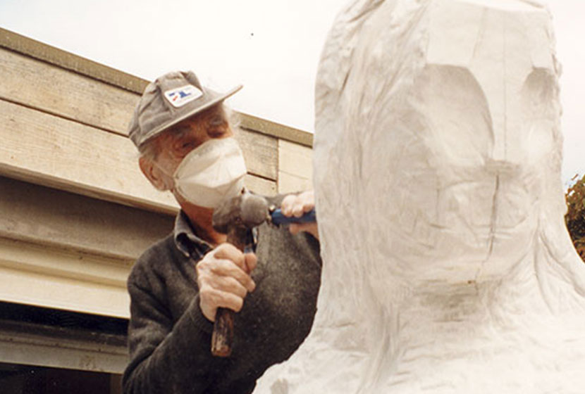 2000. Franco sculpting a statue for his tomb.