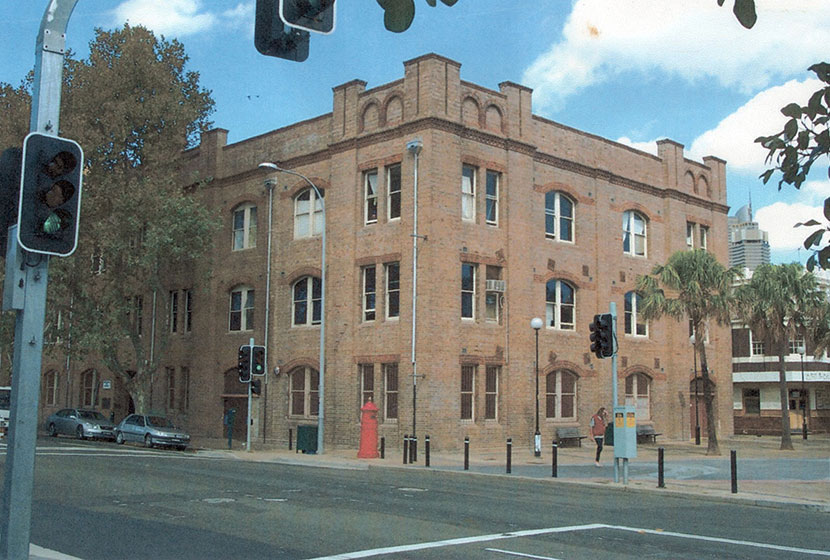 1992. The Gunnery building, Woolloomooloo, restructured by Sabemo and converted into a visual arts centre.