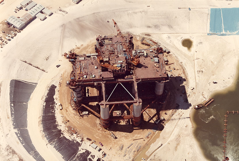 1975. Aerial view of the oil rig Ocean Endeavour being fabricated at Woodman's Point, Western Australia.
