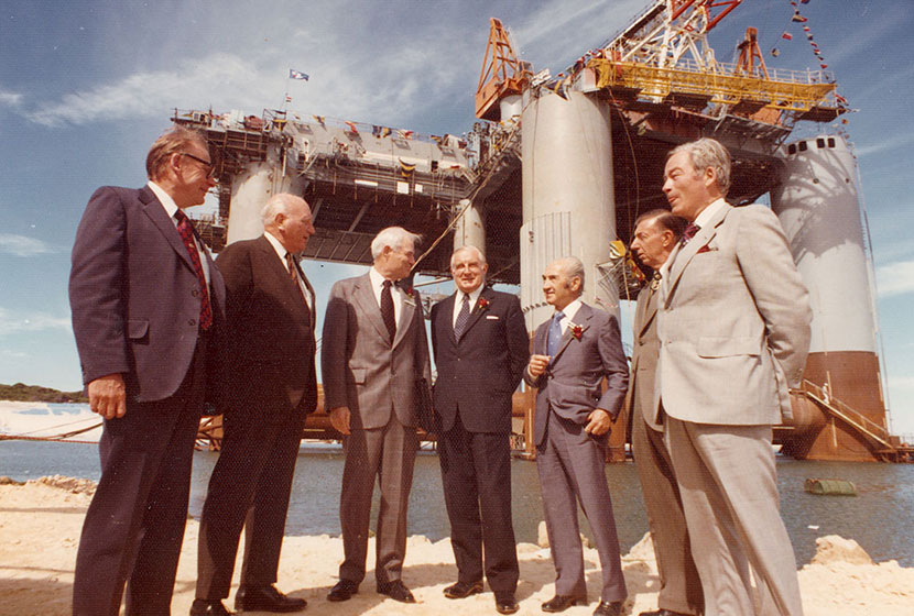 1975. Christening of the oil rig Ocean Endeavour.